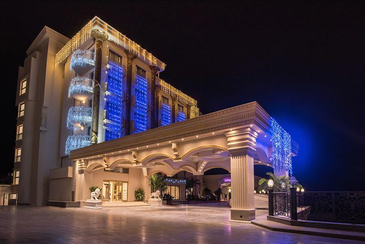 Les Ambassadeurs Hotel & Casino Fotoğrafı