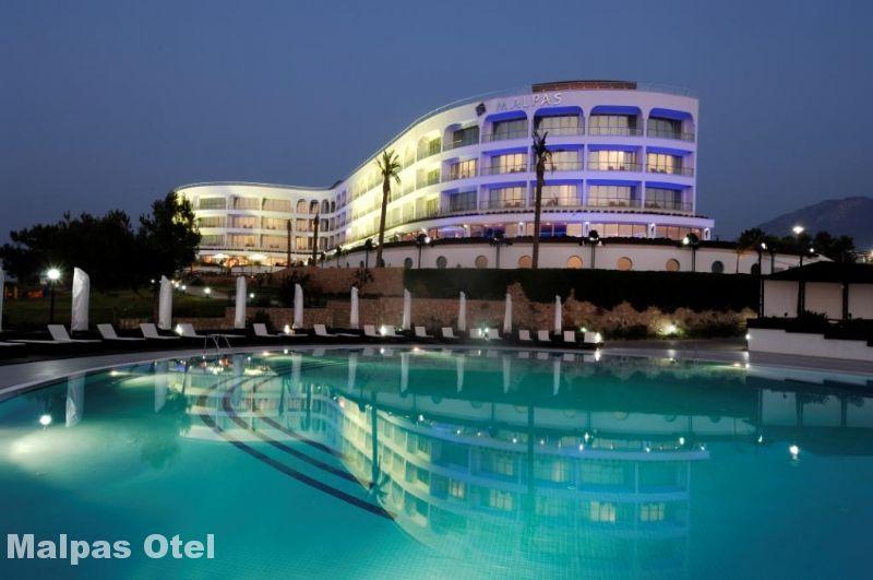 Malpas Hotel Casino Fotoğrafı