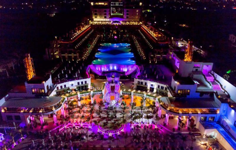 Cratos Premium Hotel Fotoğrafı
